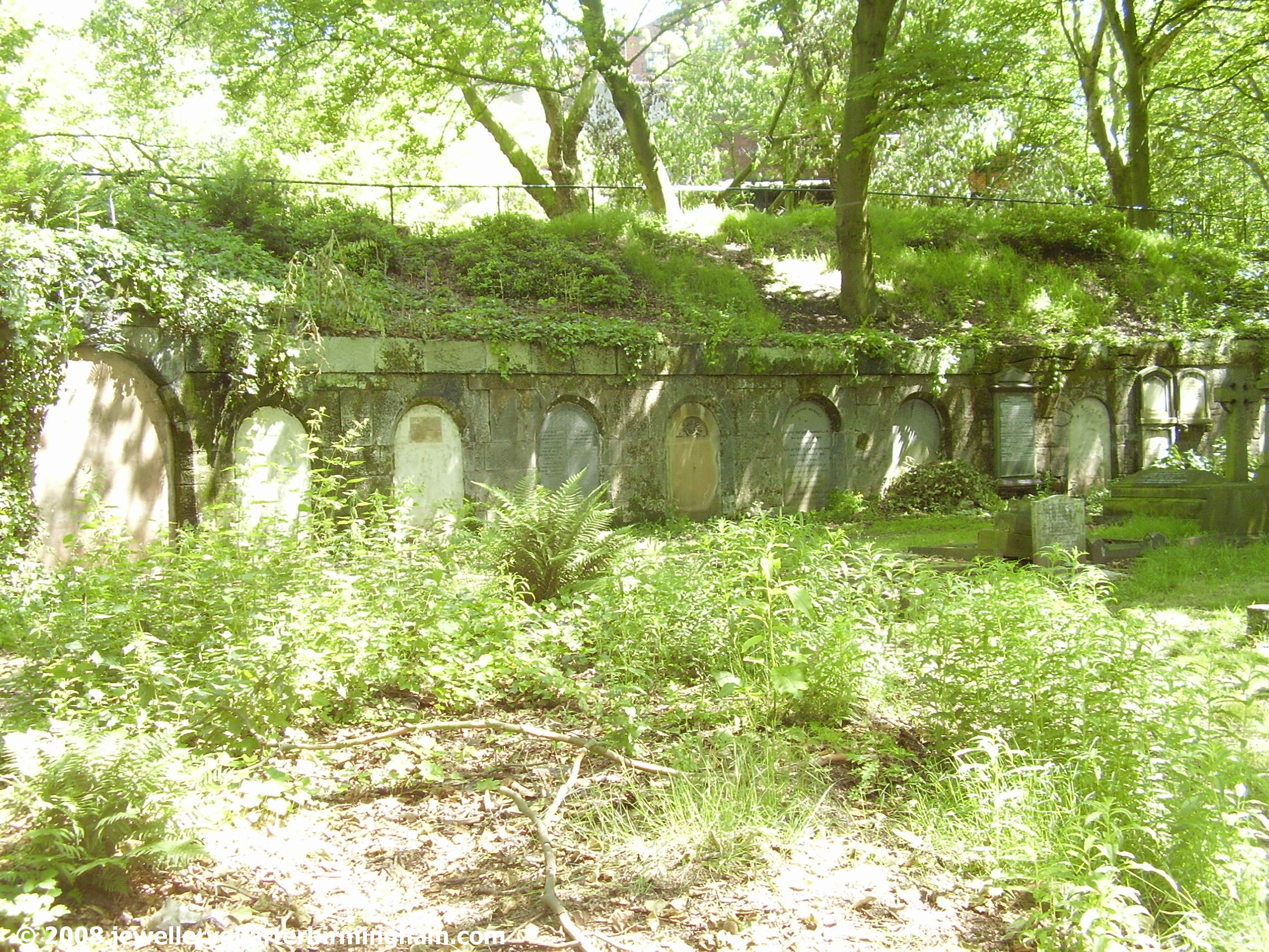 The-Catacombs-in-Key-Hill-Cemetery-shot-at-a-distance.jpg 2008